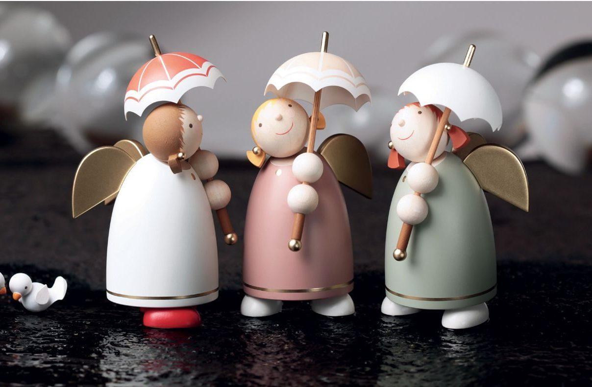 Schutzengel mit Schirmen