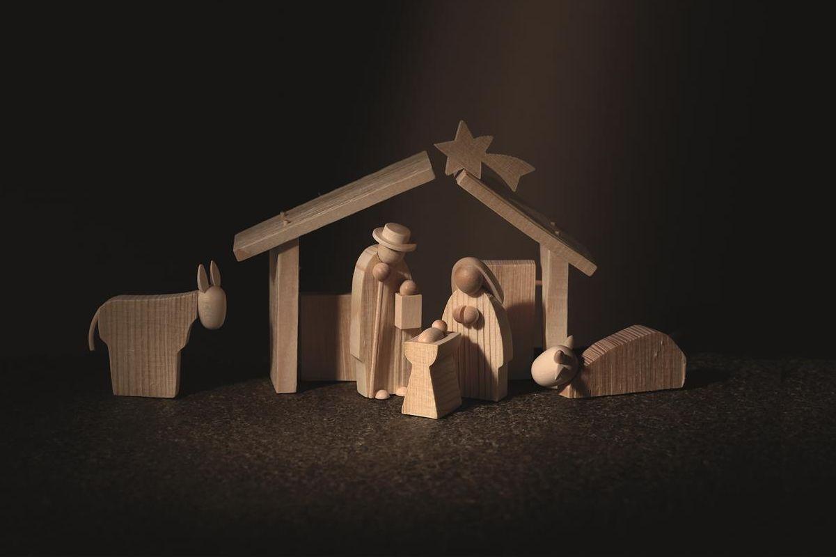 Holzfiguren Szene Christi Geburt