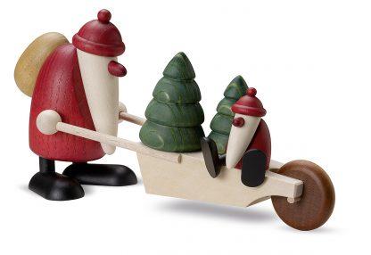 Weihnachtsmann von Björn Köhler, Figur mit Bäumen und kleinem Weihnachtsmann in Schubkarre, Original Erzgebirgisch