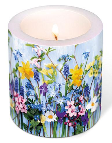 kerze-fruehlingsblumen-985020