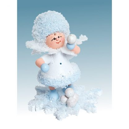schneefloeckchen-schneeballschlacht