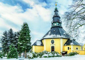 Das berühmteste Achteck des Erzgebirges: Die Bergkirche Seiffen und ihre Bedeutung in der Volkskunst